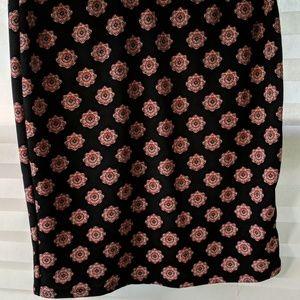 Large black LuLaRoe Cassie pencil skirt